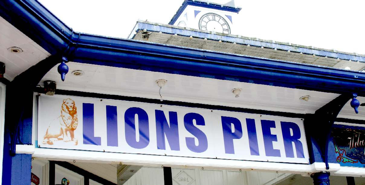Lions pier at Eastbourne, is that a zoo attraction?